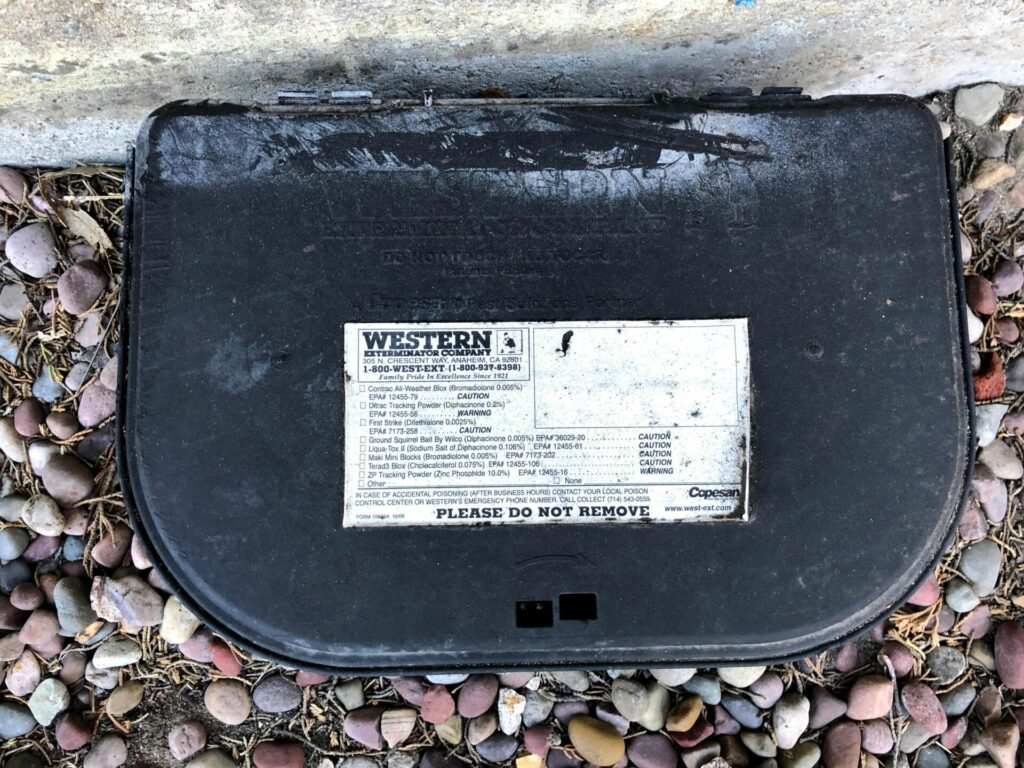 Bait box with unchecked label